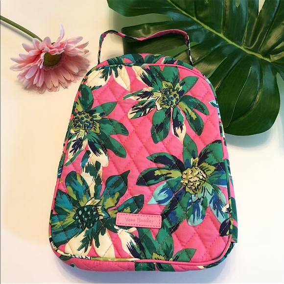 Vera Bradley Lunch Bag. Pattern-Tropical Paradise a53b649922cda